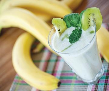 Smoothie van banaan en kiwi